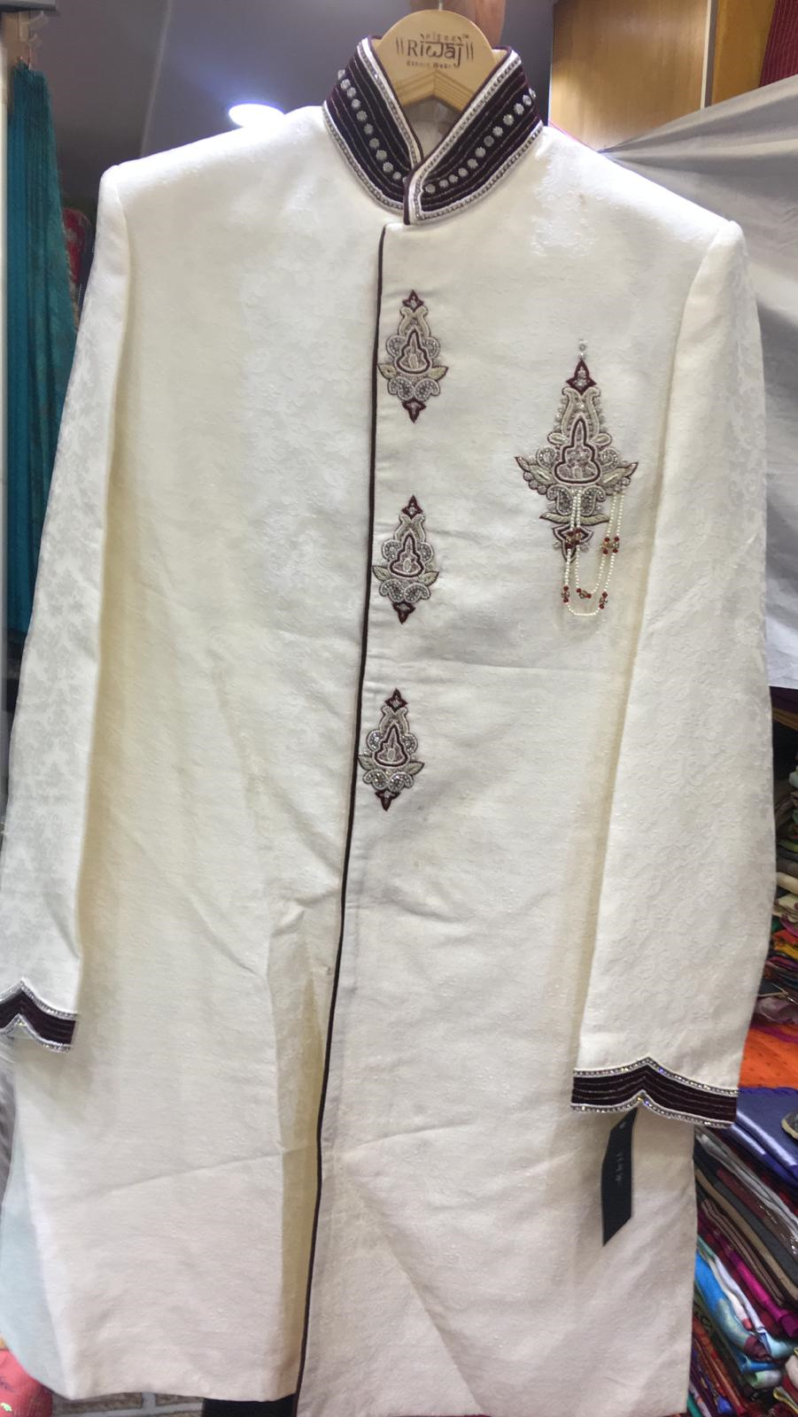 115201 $252.00 MENS SHERWANI (WEDDING COLLECTION) SIZE 40