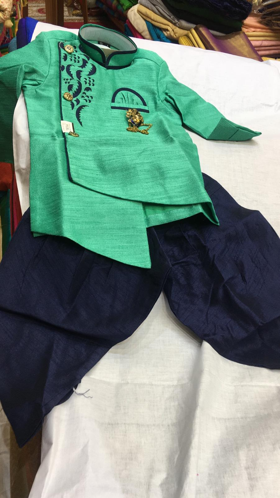 157940 $62.00 BOYS KURTA SET SIZE 0-10
