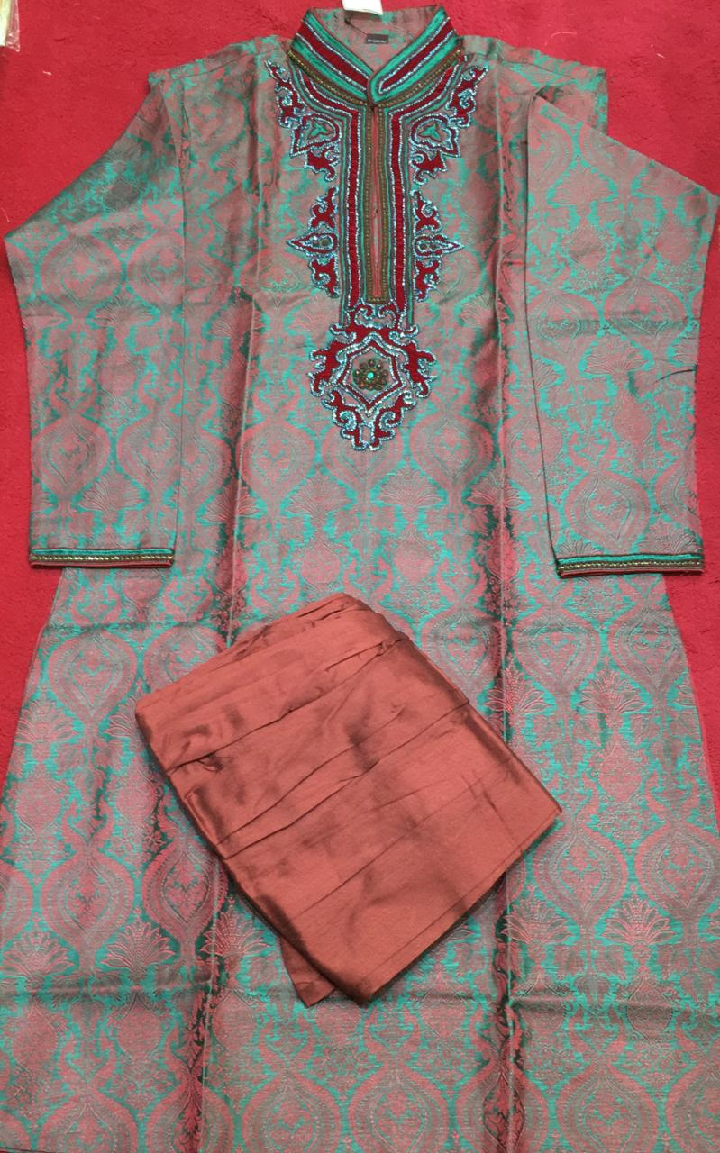 114807C $224.00 MENS KURTHA SET SIZE 40